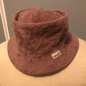 Vintage mauve furry Kangol hat